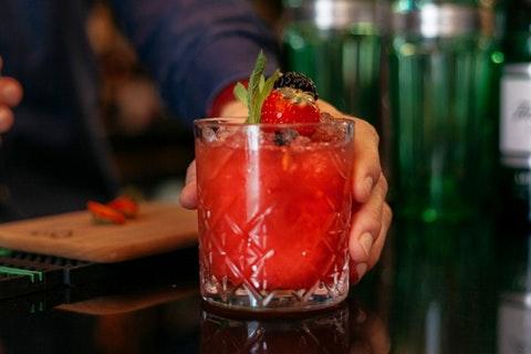 Elle's Bar & Bistro at The Iveagh Garden Hotel